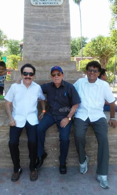 Dr. Méndez Lastra, Dr. Muñoz y Dr. Aguilar