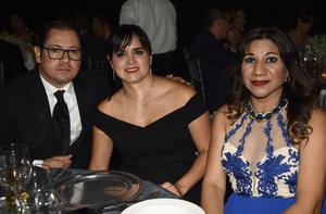 Gerardo, Lily y Claudia