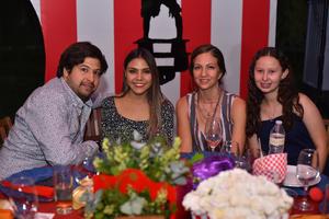 Miguel , Ana Luisa, Sandra y Valeria