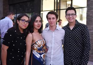 Liliana, Sofía, Alejandro y Ricardo