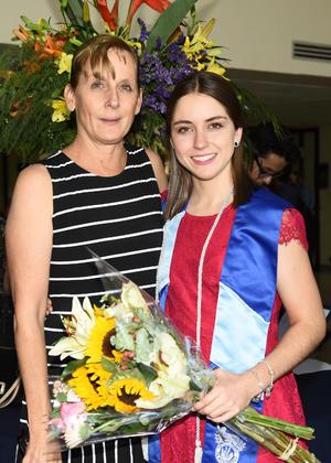 Alejandra Schott y Regina de la Peña Schott