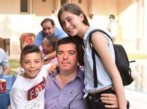 Marcelo, Hugo y Camila