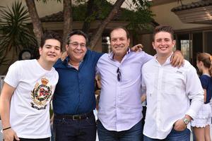 Pablo, Víctor, Javier y Javier