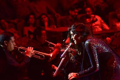 Con los ánimos al máximo, la cantante complació a los laguneros con más melodías como No lloraré, Cómo me haces falta, Bandido, Lo busqué y Qué poca.