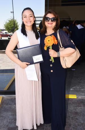 Arantza Torres y Adriana Dávila