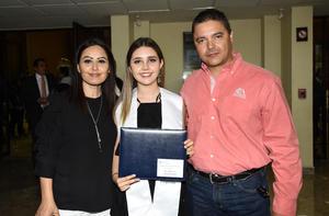 Kathy Muñoz, Paula González y Humberto González