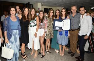 María José, Luisa, Liliana, Santiago, Carlos, Miriam, Lucía y Lola