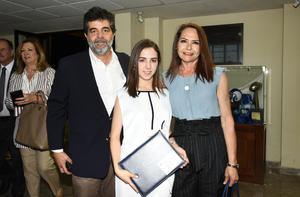 Mauricio Murra, Sara Murra y Lorena Rivero