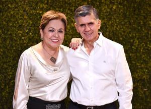 Sofía Anaya de Méndez y Jaime Méndez Vigatá