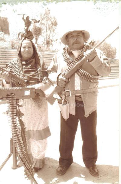 La Toma de Zacatecas 1913. Rosario Zapata Pérez y Venancio Pérez Lira. Chayo y Nacho.