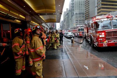 Los bomberos reportaron que fue el piloto quien falleció al estrellarse el helicóptero.