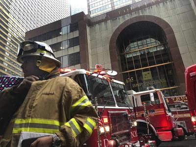 El estrellamiento provocó un incendio que ya ha sido extinguido.