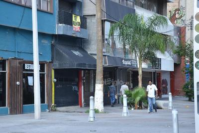 Rodolfo Silva Esparza informa que los comerciantes del Paseo Morelos de la calle Treviño y sobre todo de la Falcón hacia el poniente, tienen problemas para subsistir porque los productos que ofrecen tienen poca demanda.