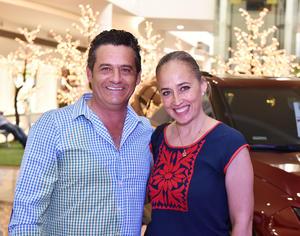 12062019 Arturo y Lorena Pedroza.