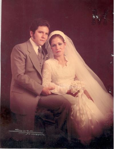 Boda de Roberto Dávila García y Ma. de los Ángeles López Martínez, el 15 de junio de 1979, hace 40 años.