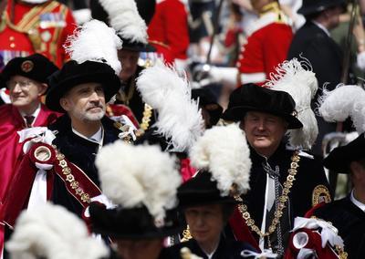El rey recibió la máxima distinción del Reino Unido.