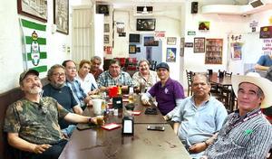 18062019 ENTRE AMIGOS.  Mago Cepeda, Jorge Barbachano, Carlos Ávila, Héctor Aguirre, Víctor Berna, Ramón Betancourt, René Campos, Gilberto García, Esteban Mercado y Jesús Zarzosa.