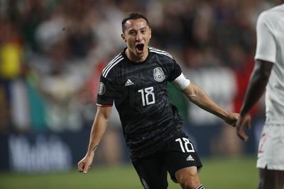 México domina a Canadá en la Copa Oro