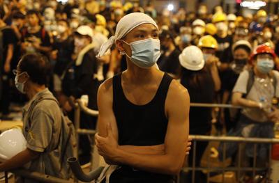Varios cientos de manifestantes, en su mayoría estudiantes, forman parte del movimiento.