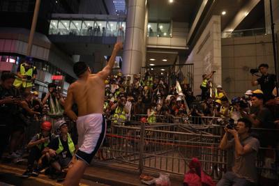 Las nuevas manifestaciones comenzaron al cumplirse el plazo para que el gobierno responda a los reclamos.