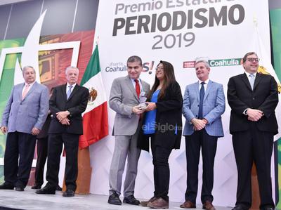 La coeditora Daniela Ramírez Cervantes, obtuvo el premio en la categoría de Periodismo Cultural.