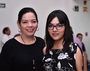 21062019 RECIENTE EVENTO SOCIAL.  Soledad e Isabel Mora.