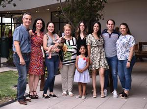 21062019 EXPOSICIóN DE ARTE.  Julio, Adelina, Christa, Ana, Isabel, Valentina, Roberto, Andrea y Charo.