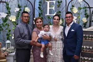 21062019 El niño Édgar Gómez Ibarra acompañado de sus abuelos paternos Francisco Gómez y Maribel de Gómez y de sus padres Gabriela Ibarra y Édgar Gómez.