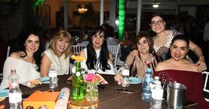 Lorena, Gaby, Nadia, Gaby, Ivonne y Mónica