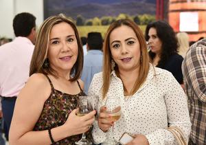 Susana Anaya y Claudia Álvarez