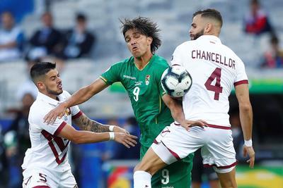 Brasil y Venezuela avanzan en la Copa América