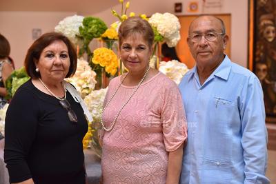 Yolanda, Josefina y Rubén.