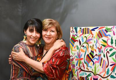 CUMPLE UN AÑO MÁS DE VIDA. Silvia acompañada de su hija, Julia María.
