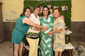 22062019 ESPERA LA LLEGADA DE ALICIA.  María Alma Arguijo Gamiochipi en el baby shower que le organizaron por el nacimiento de su segundo bebé.. En la imagen, la acompañan Bertha Alicia Gamiochipi, Ana Lilia Arguijo Gamiochipi y Patricia Cervera.