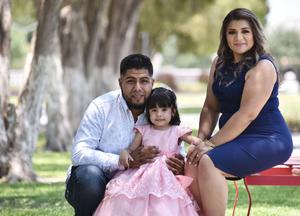 23062019 EN FAMILIA.  Anheli Daniela Gallegos Herrera cumplió tres  años de vida. Sus papás son Felipe de Jesús Gallegos y Nayeli  Herrera.