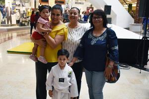 24062019 Mailene, Griselda, Griselda, Mavis y Matías.