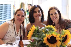 25062019 FIESTA DE DESPEDIDA.  Karina, Angelina y María Estela.