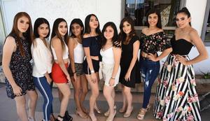 25062019 MUY LINDAS.  Jovencitas asistentes al casting del certamen Miss Teen Universe Torreón 2019.