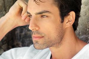26062019 Unas cejas bien cuidadas ayudan a dar una imagen atractiva a cualquier hombre.