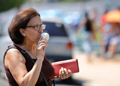 La heladería más famosa de Cuba dio la bienvenida a sus primeros clientes en casi dos meses.
