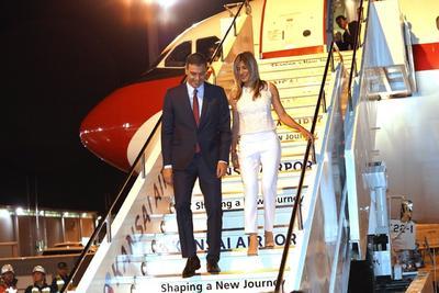El presidente del Gobierno español, Pedro Sánchez, y su esposa Begoña Gómez.