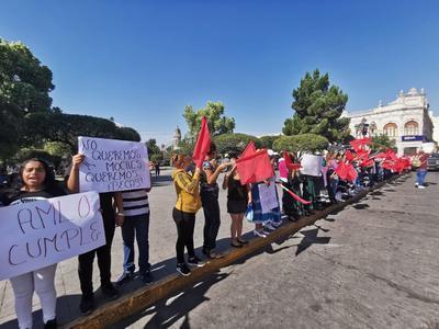 Se argumentó que no se han proporcionado las becas Benito Juárez a todos los alumnos.