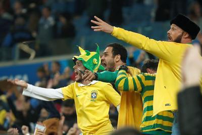 Brasil sufre pero avanza a las semifinales de la Copa América