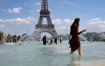 Los servicios meteorológicos han activado desde este viernes por la mañana por primera vez en Francia la alerta roja por calor en cuatro departamentos del sureste.