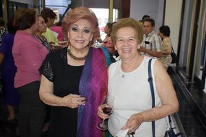 28062019 EN RECIENTE EVENTO SOCIAL.  María Elisa y Elvia.