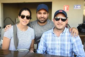 28062019 Ana Claudia, Homero y Tomás.