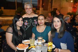 28062019 LA PASAN MUY BIEN.   Berenice, Vero, Maricela Janeth y Adriana.