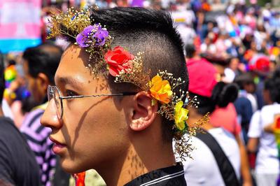 """Javier, joven homosexual de 23 años, asegura que la lucha sigue, porque si bien se han ganado algunas libertades aún el camino es largo; """"tenemos que seguir""""."""