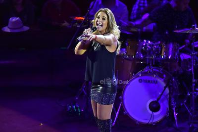 El público no dejó de corear sus canciones, el tiempo que elogiaban a la artista.