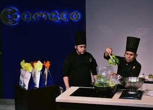 30062019 Los reconocidos chefs compartieron útiles consejos con las asistentes.